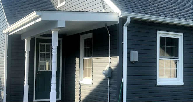 Vinyl Siding Contractor JWE Hanover PA executed this exterior remodel with PlyGem Mastic Ovation Vinyl Siding